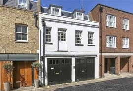 Mews Property to rent in Harley Place, London