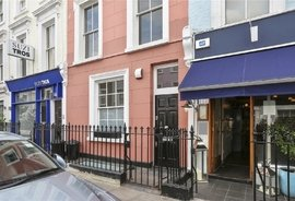 Mews House to rent in Hillgate Street, London