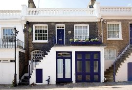 Mews House to rent in Holland Park Mews, London