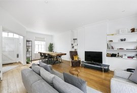 Mews House to rent in Ladbroke Walk, Holland Park