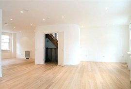 Mews House to rent in Lancaster Mews, Lancaster Gate
