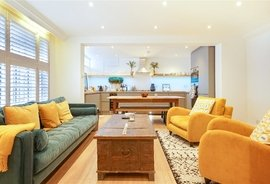 Mews House to rent in London Mews, Bayswater