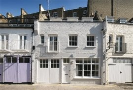 Mews House to rent in Manson Mews, South Kensington