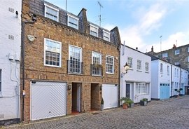 Mews House to rent in Montagu Mews North, London