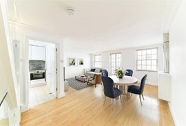 Mews House to rent in Montagu Mews West, Marylebone