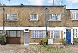 Mews House to rent in Northwick Close, London