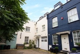 Mews House to rent in Princes Gate Mews, Knightsbridge