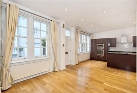 Mews House to rent in Princes Gate Mews, London