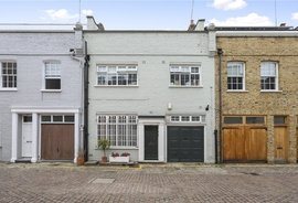 Mews House to rent in Princes Gate Mews, South Kensington