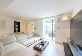 Mews House to rent in Queensdale Walk, Notting Hill