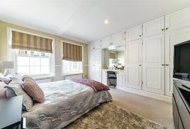 Mews House to rent in Radnor Mews, Hyde Park Estate