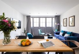 Mews House to rent in Rainsford Street, London