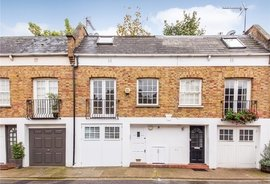 Mews House to rent in Royal Crescent Mews, Holland Park