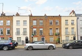Mews House to rent in Shouldham Street, London