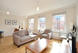 Mews Flat to rent in St Johns Wood High Street, St Johns Wood