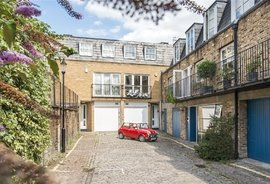Mews House to rent in St. Stephens Mews, London