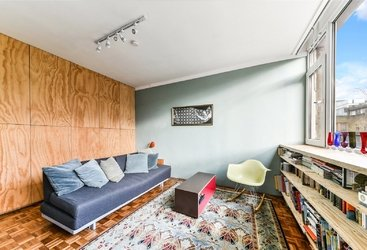 House for sale in Murray Mews, London, NW1