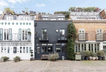 House for sale in St. Lukes Mews, Notting Hill, W11