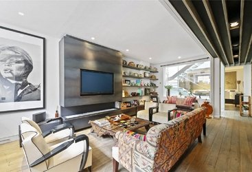House to rent in Ennismore Mews, London, SW7