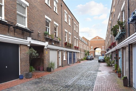 Shrewsbury Mews, London, W2